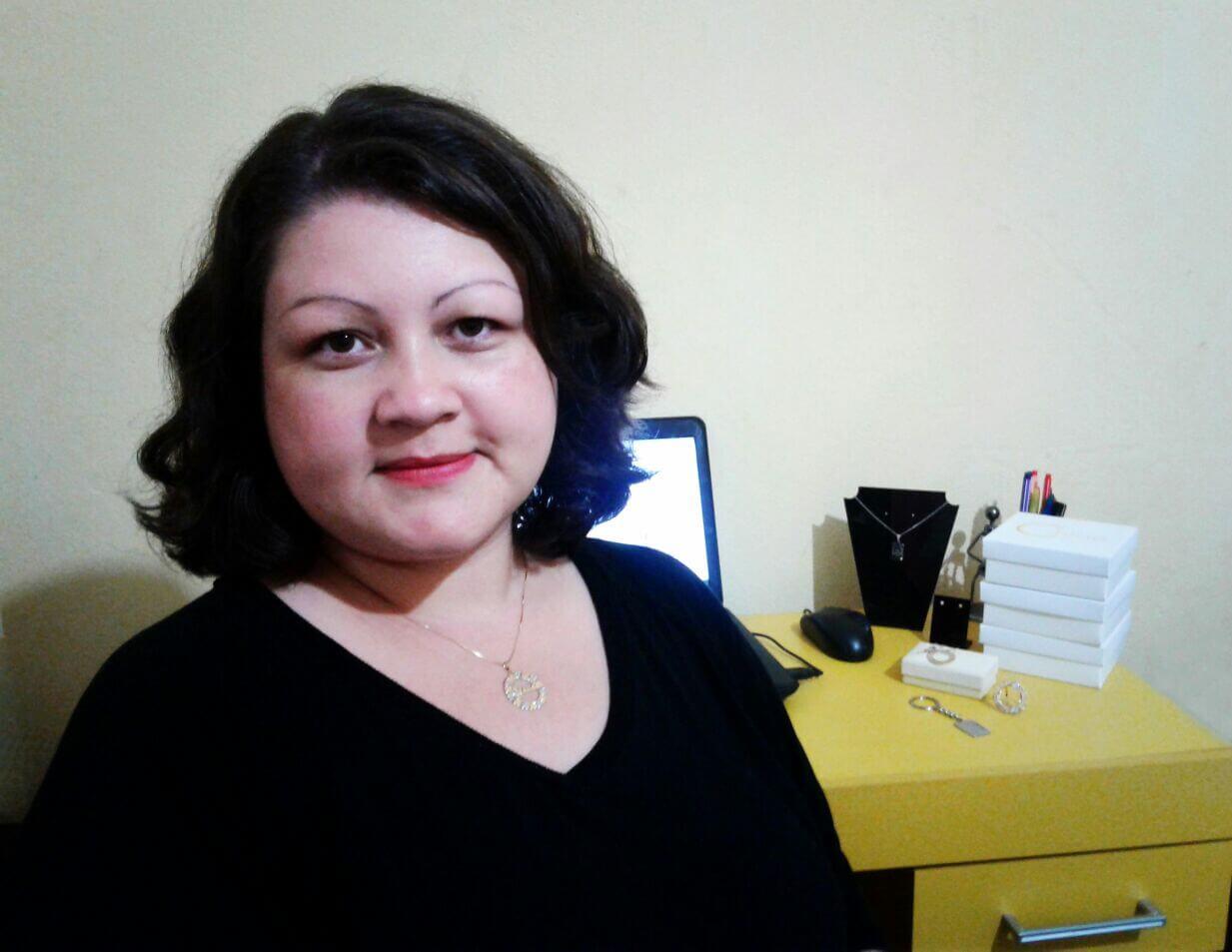 Para aumentar lucros, Carla Silva, da Chloé Acessórios, apostou na customização